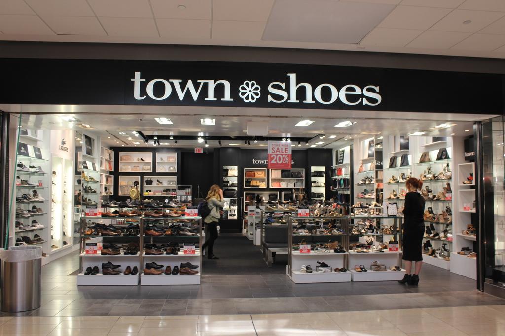 Town Shoes | Vancouver | CF Pacific Centre